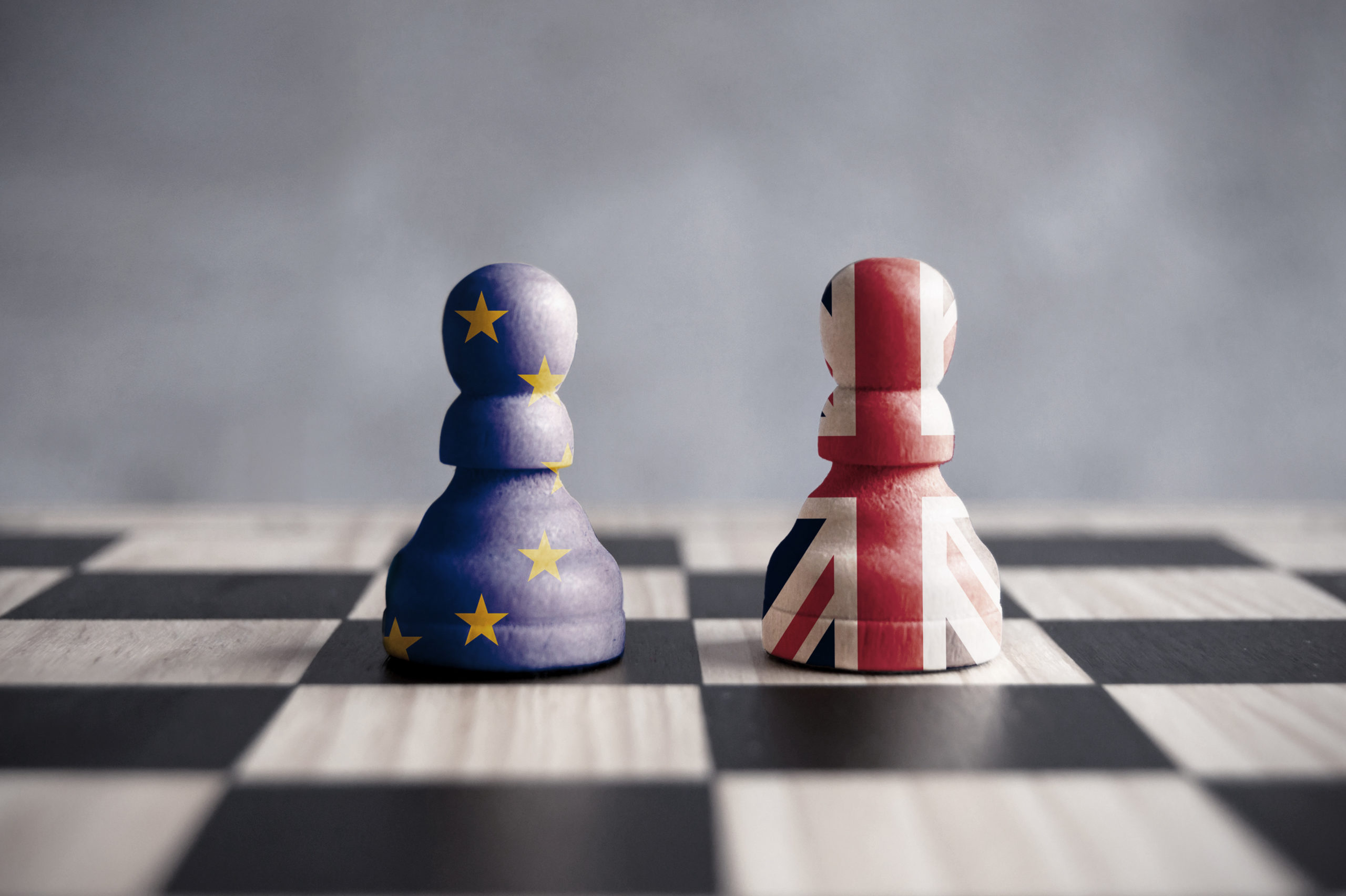 EU and UK pawns on a chessboard